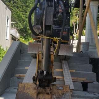 EXCAVATING SERVICES, RATES,NORTH VANCOUVER, NORTH SHORE, RUBBER TRACKS, NELSON STREET