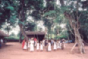 escuela indigena bolivia.jpg