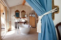 Knoydart Hide En-Suite Bathroom