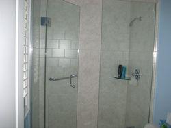 Inline glass shower