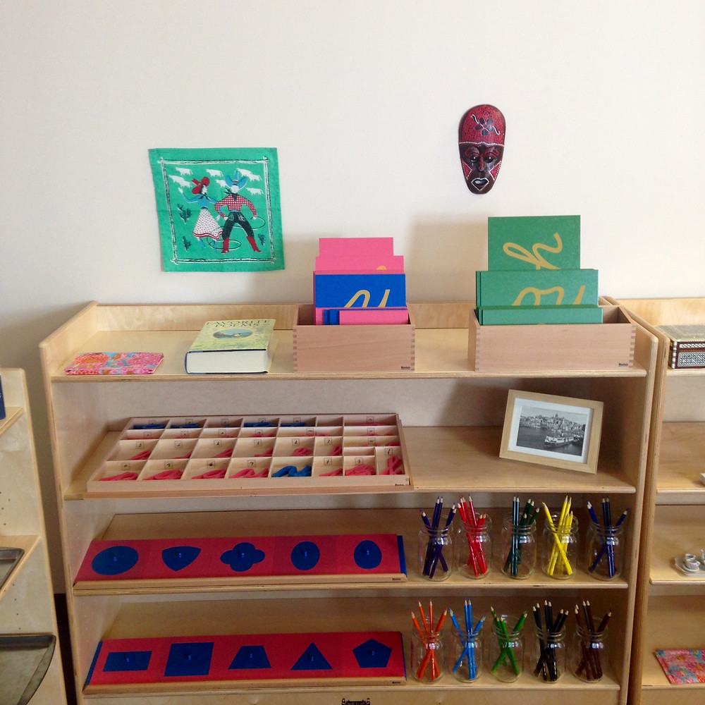 Minimal and Organized Classroom