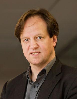 Harald Haas (formal).jpg