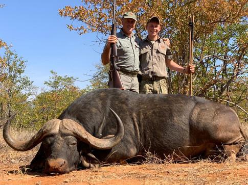 Howard and Gavin Knott with Cape Buffalo Bull