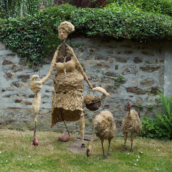 Sculpture, la fermière et les poules-Inès Lopez-Sanchez Mathély