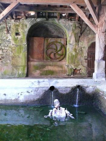 Marionnette, les thermes à Saint Sauveur-en-Puisaye