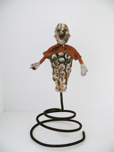 Sculpture dansant sur ressort