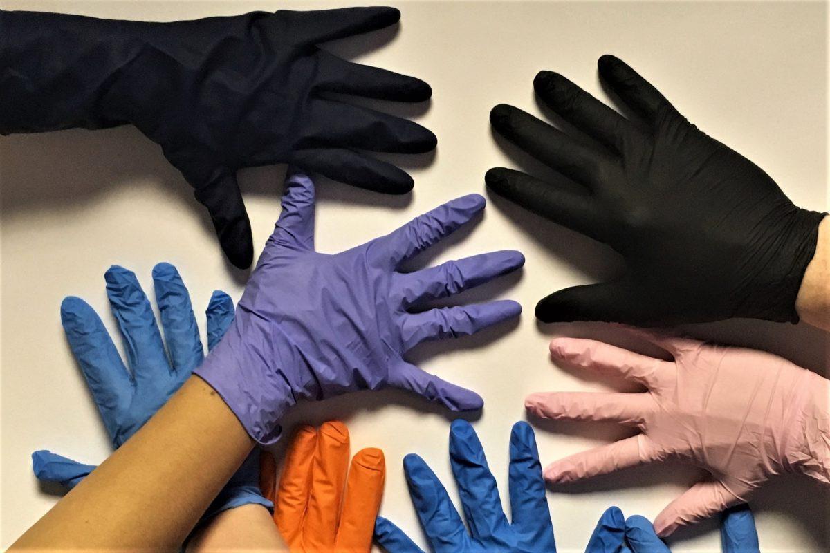 disposable-nitrile-gloves-4-e15360858888