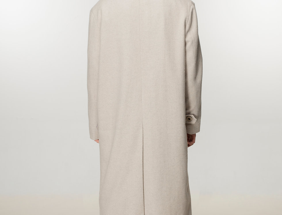 Console coat in beige with oversized pockets