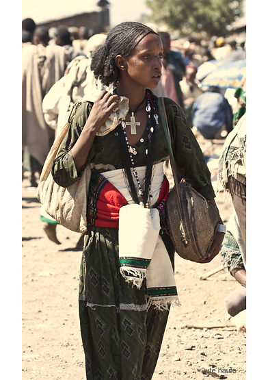 Very beautiful Ethiopian highlander women, in Lalibela market