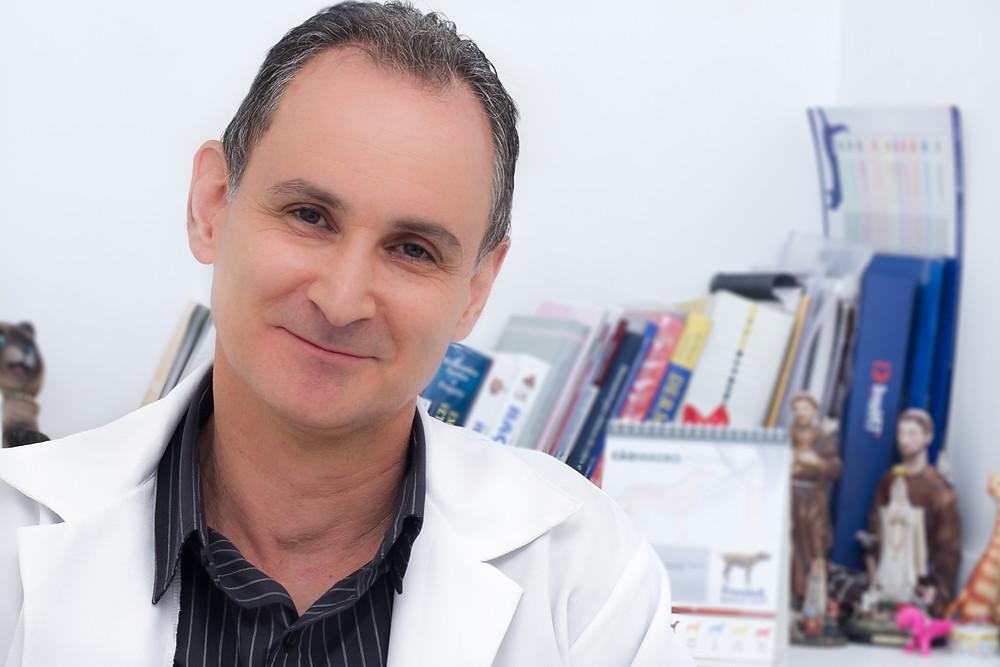 Dr. Luiz Carlos Garcia- Médico Veterinário