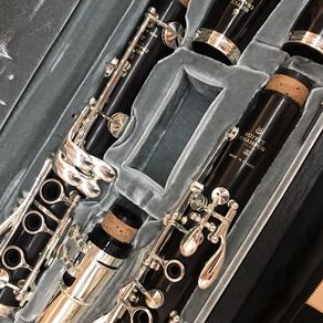 〈ビュッフェ・クランポン〉を代表するBbクラリネットR13新古品、横川晴児選定品が入荷しました。