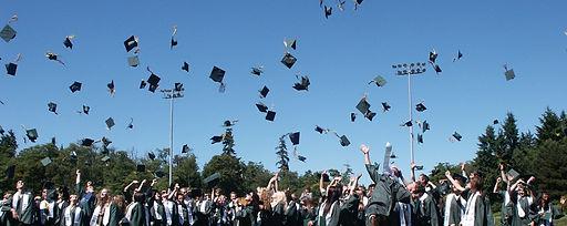 graduation-995042.jpg