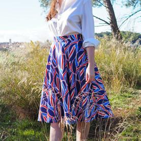 Couture : une jupe patineuse avec le motif Le Twist
