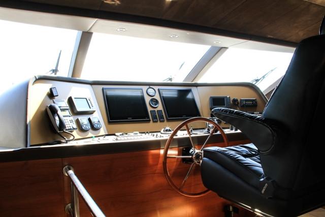 Yacht 105-24.jpg