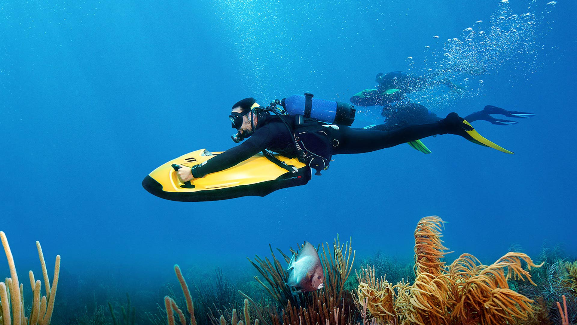 SEABOB-diving-under-water.jpg