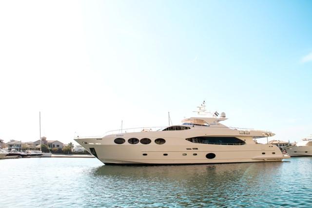 Yacht 105-71.jpg