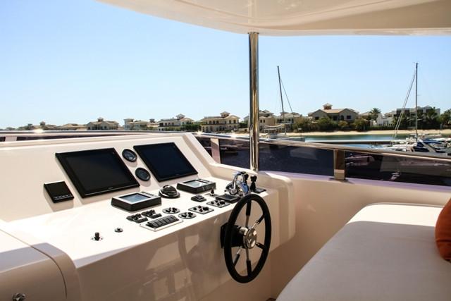 Yacht 105-27.jpg