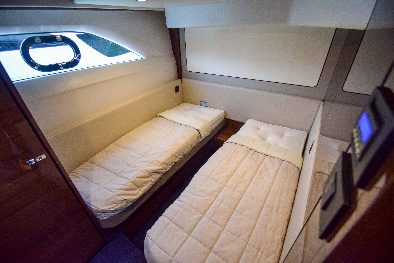 Princess 62 interior (10)