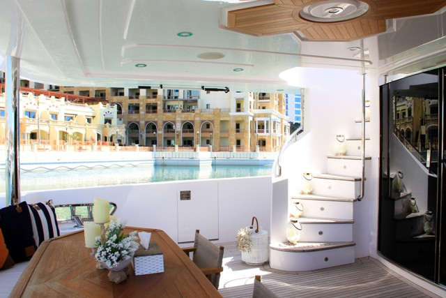 Yacht 105-1.jpg