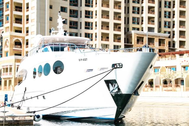 Yacht 105-73.jpg