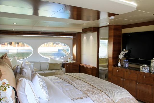 Yacht 105-48.jpg