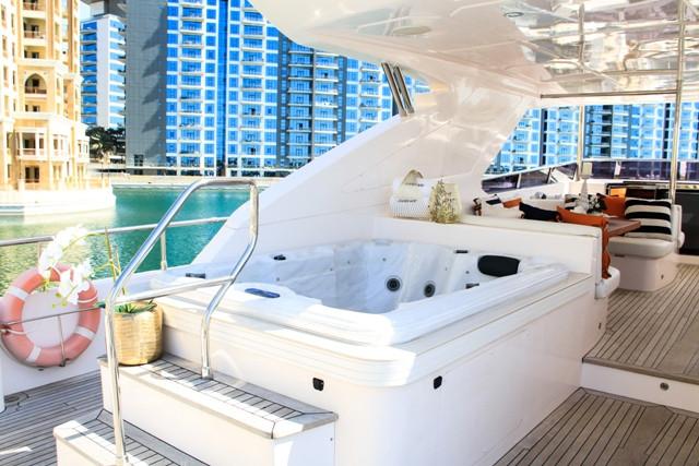 Yacht 105-33.jpg