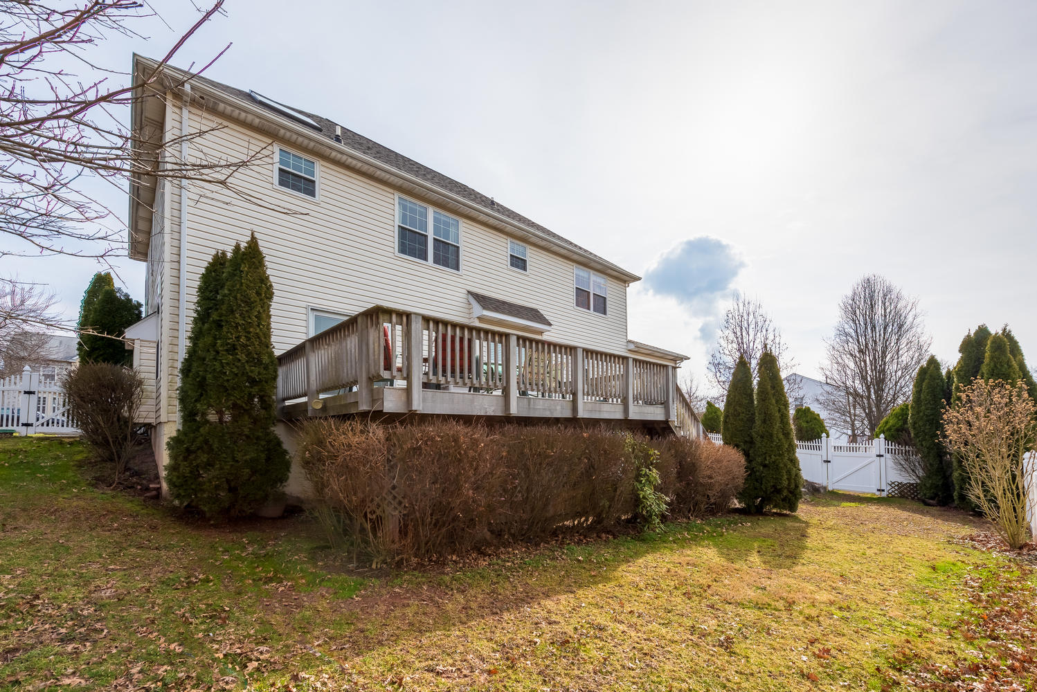 103 Julie Rd Pottstown PA-large-037-031-