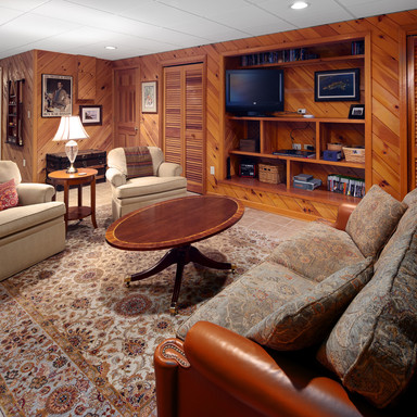 Lower-level entertainment space