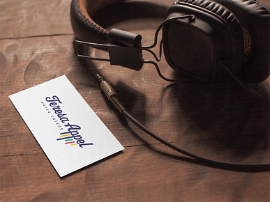 mockup-of-a-varnish-business-card-placed