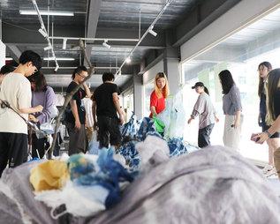 中国の美大生たちと作る「記憶の海」in 中国美術学院(杭州)。