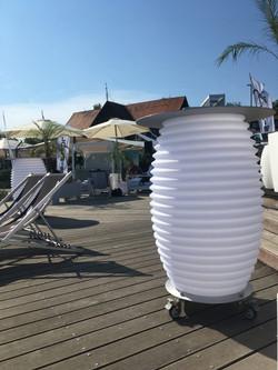 nikki-amsterdam-the-bar-table-terrace-bl