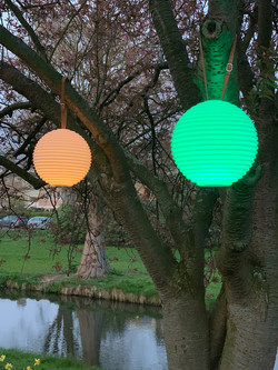hanglamp-the-ball-nikki-amsterdam-tuin-t