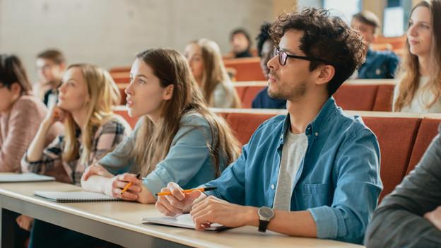 Desconto para estudantes universitários nas turmas do Básico 1 de Francês