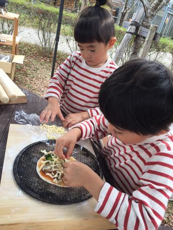 ピザ作り-01.jpg