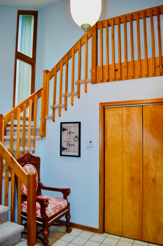 Entryway & Stairway