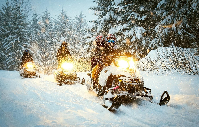 snowmobile-race.jpg