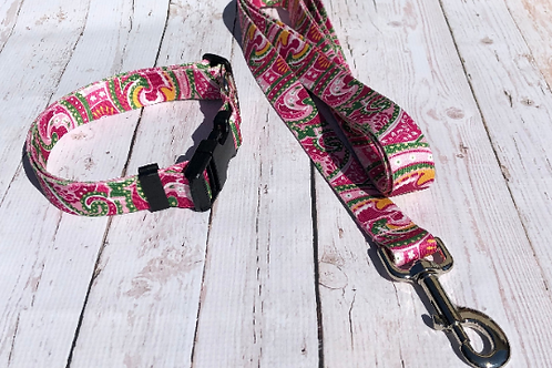 PRETTY PREPPY PINK PAISLEY  DOG LEASHES!
