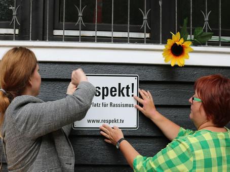 Respekt!-Schild am Naturfreundehaus Moosbronn