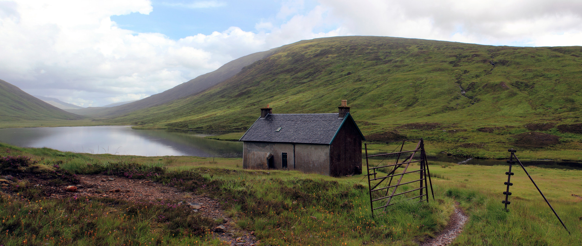 Loch Chiarain Bothy, Central Highlands