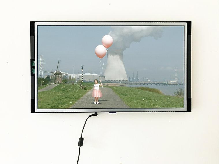 cadre video avec image DOEL.jpg