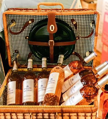Rose Pinic Basket Essentials