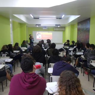 Escola de Artes Visuais Lipe Diaz