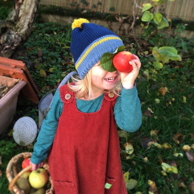 Des vêtements colorés et pratiques pour accompagner les tout-petits dans toutes leurs aventures