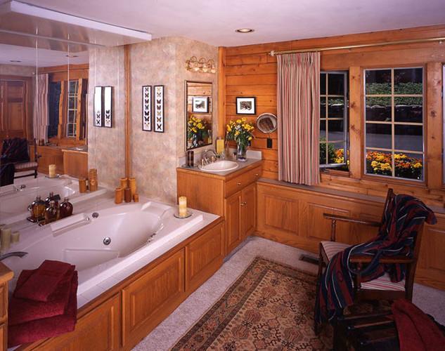 Log-home-bath-Sharpe.jpg