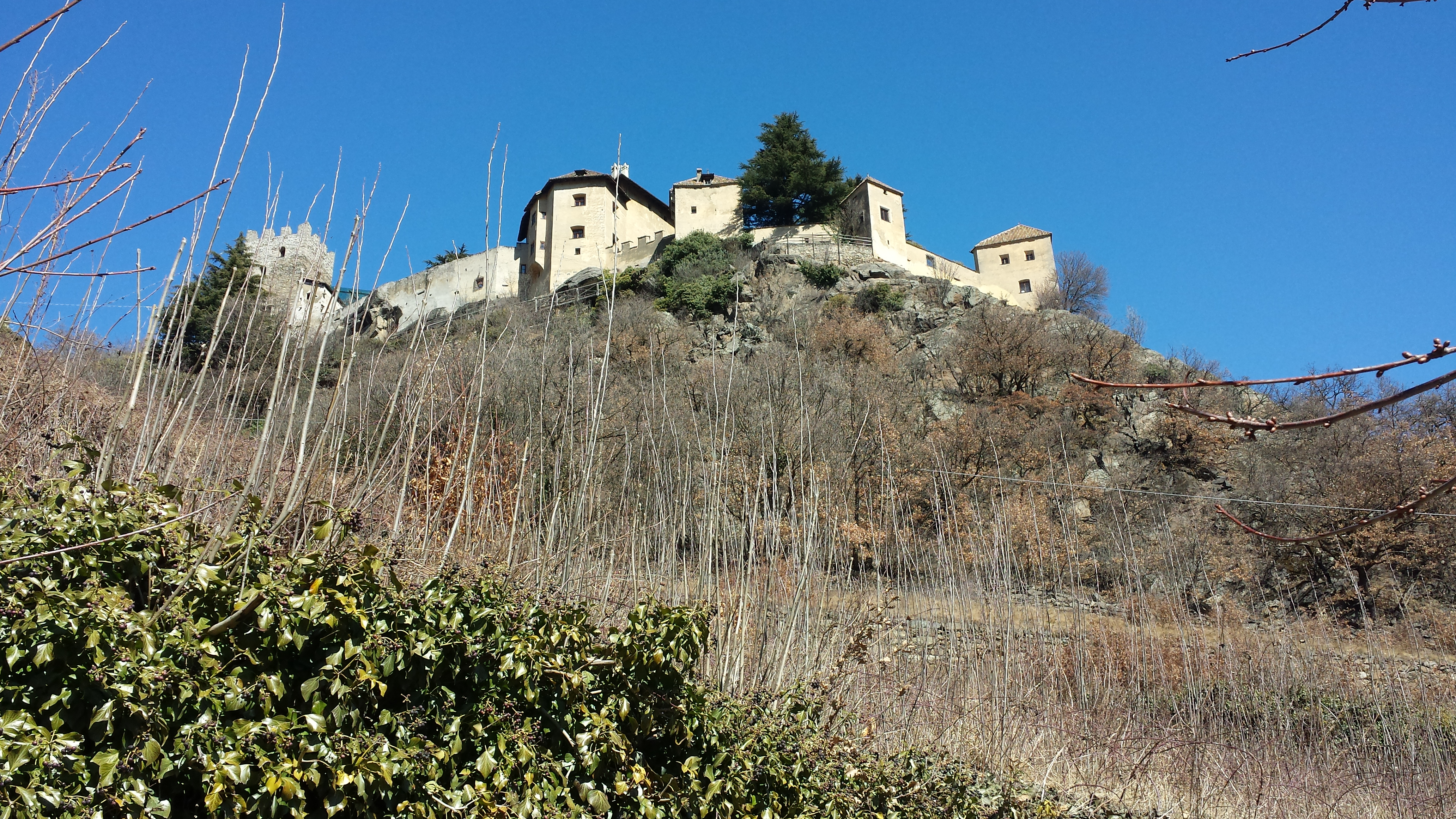 Schloss Juval vom Walweg aus gesehen