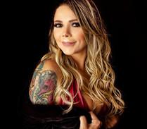 Tatuadora brasileira conhecida internacionalmente, Karlla Mendes, conta sobre seu projeto social