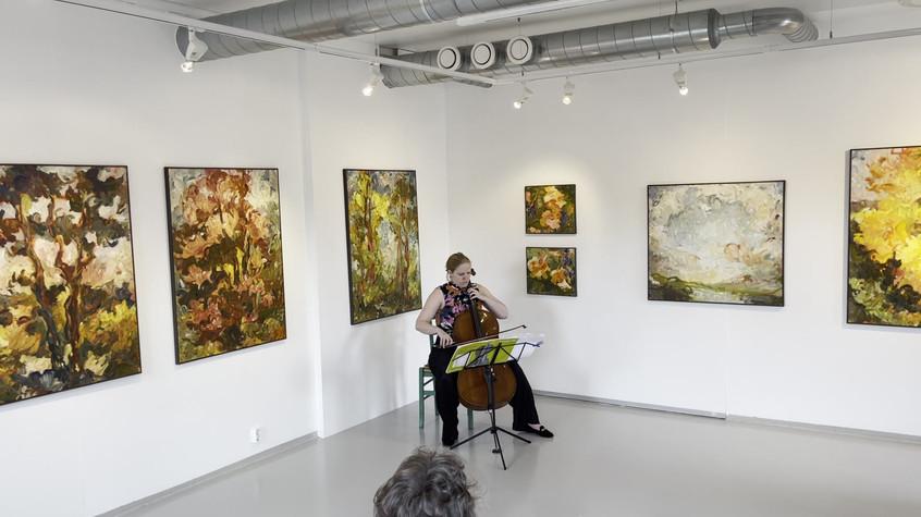 Rannveig Sannes spiller Bach.