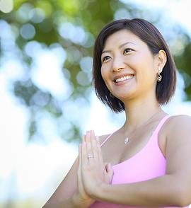 Happy Hatsmi Yoga - ヨガ インストラクター Hatsumi