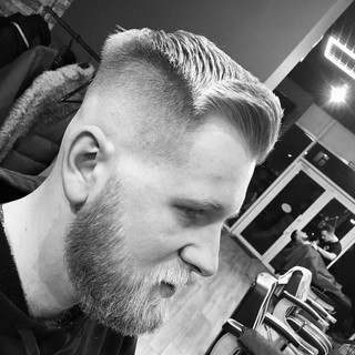 MIDDLE FADE AND BEARD