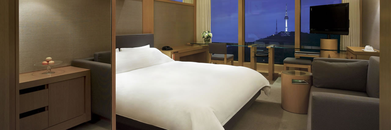 Grand-Hyatt-Seoul-Grand-Room-Mountain-View-1280x427 (1)